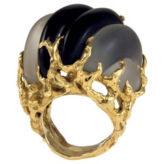 1970s Arthur King Carved Rock Crystal, Onyx, and Textured Gold Ring