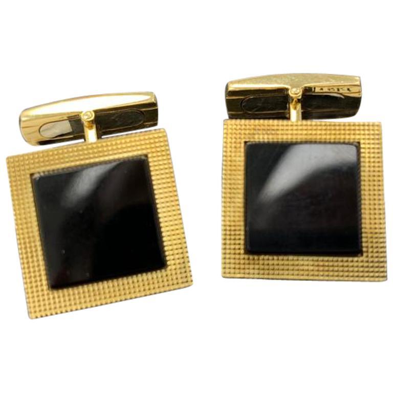 Onyx and 18 Karat Yellow Gold Cuff Link
