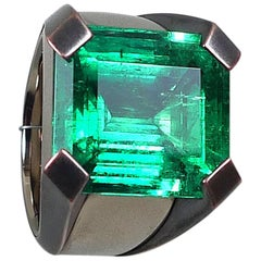 15.59 Carat Natural Colombian Emerald White Gold Ring with Bronze Prongs
