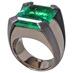 15.59 Carat Natural Colombian Emerald Gold Cocktail Ring with Bronze Prongs