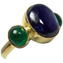 12.99 Carat Natural Untreated Sapphire and Emerald Ring 18 Karat Yellow Gold