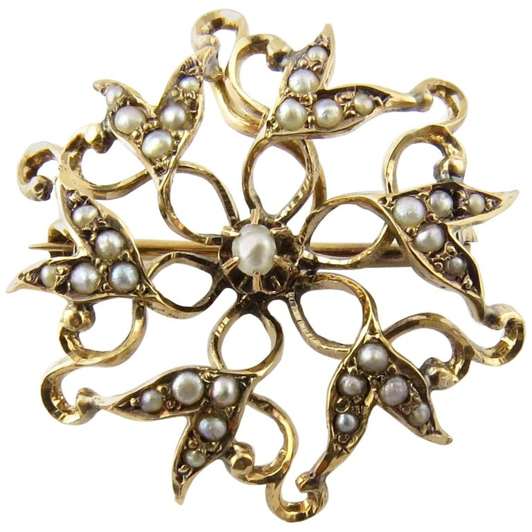 14 Karat Yellow Gold Pin with Seed Pearls