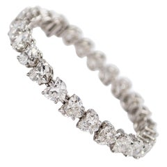 GIA Certified 23.65 Carat Total Weight Heart Shape Tennis Bracelet