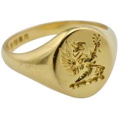 English Signet Ring London 18 Karat Yellow Gold Engraved and Stamped