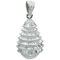 Studio Rêves 18 Karat White Gold and Taper Diamonds X'Mas Tree Pendant