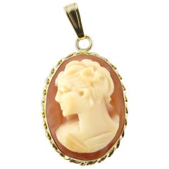 14 Karat Yellow Gold Cameo Pendant