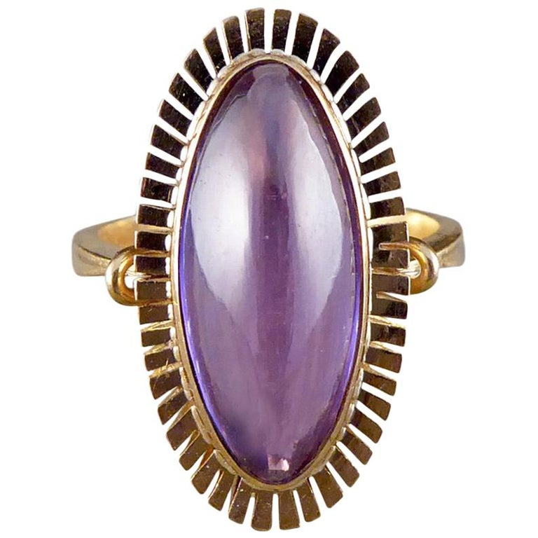 1940s Cabachon Amethyst 14 Carat Gold Ring