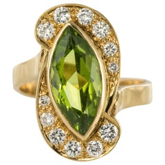 French Retro 1960s 2.72 Carats Peridot Diamond Ring