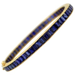 Antique Art Deco 18 Karat Gold Ladies Bangle with Sapphires Made in France, 1920