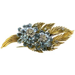 Vintage 18 Karat Gold Floral Brooch with Aquamarine and Diamonds, circa 1950s