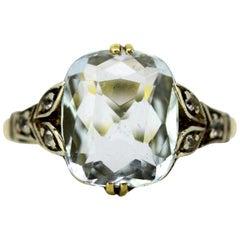 Art Deco 18 Karat Gold Ladies Ring with Aquamarine and Diamonds, circa 1920s