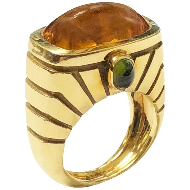Van Cleef & Arpels Yellow Gold and Topaz Ring For Sale