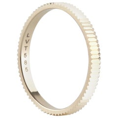 14 Karat Yellow Gold Structured Sparkling Band Ring