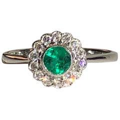 Round Emerald & Brilliant Cut Diamond Halo Anniversary Engagement Ring 18k Gold