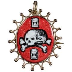 Antique Victorian Memento Mori Skull Pendant 9 Carat Gold Brooch, circa 1880