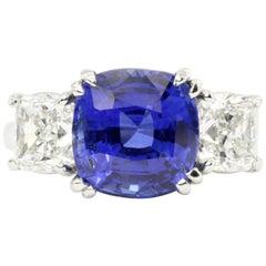 Platinum 7.2 Carat Madagascar Sapphire Flanked by Two 1.4 Carat G VS2 Diamonds