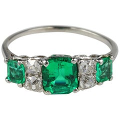 Exceptional Quality Art Deco Colombian Emerald Diamond Platinum Ring