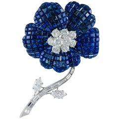 Van Cleef & Arpels Mystery-Set Sapphire Diamond Brooch