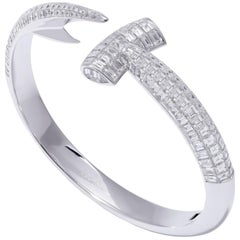 Jewels Verne Hammerhead 18 Karat White Gold and White Diamond Bangle