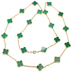 Van Cleef & Arpels 20 Chrysoprase Green Chalcedony Alhambra Yellow Gold Necklace