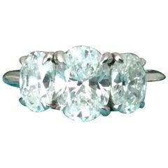 Tiffany & Co. Platinum Oval 3-Stone Diamond Ring 2.82 Carat