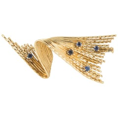 Brooch Gold and Sapphire of Abstract Form by Chaumet Paris, circa 1950