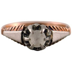 Vintage Art Deco Ring of 18 Karat Gold, Front with Faceted Clear Stone