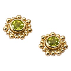 Cholula Peridot 9 Karat Yellow Gold Studs