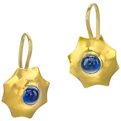 Blue Sapphire 22 Karat Gold Yellow Gold 20 Karat Gold Earrings