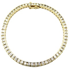 Estate Vintage 14 Karat Yellow Gold Round Diamond Tennis Bracelet