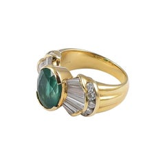 1970s Statement Vintage Emerald 18 Karat Gold Ring