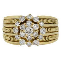 Round Brilliant Diamond Flower Ribbed Ring