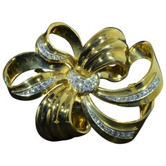Important 18 Karat Yellow Gold Diamond Bow Brooch Set with Diamonds
