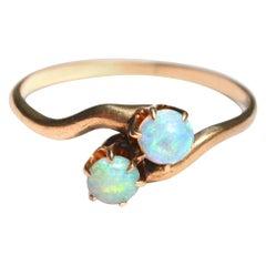 Antique Opal 14 Karat Gold Ring