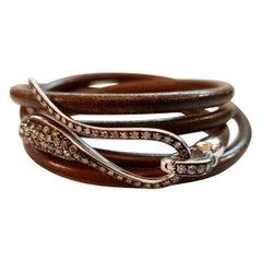 Dada Arrigoni White Gold Brown Leather Bracelet with White Diamonds