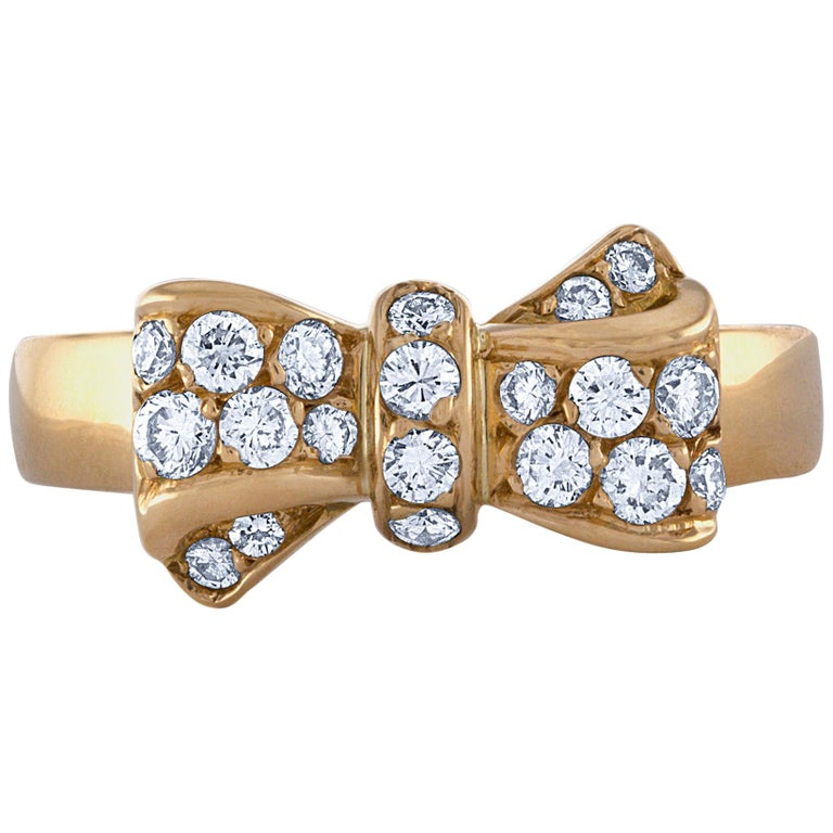 Van Cleef & Arpels 18-karat yellow gold and diamond ring, 21st century, offered by Court and Covet