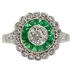 Contemporary Handmade 18 Karat Gold Diamond and Emerald Ring