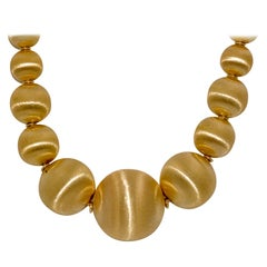18 Karat Yellow Gold Graduated Textured Bead Necklace