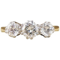 Vintage 1930s Three-Stone Diamond Ring in 18 Carat Yellow Gold and Platinum