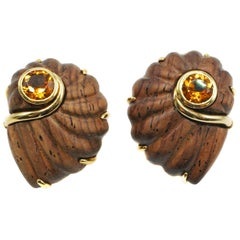 18 Karat Yellow Gold and Wood Citrine Shell Ear Clips