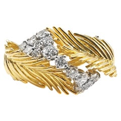 1950s Extravagant 18 Karat Yellow Gold Diamond Feather Ring