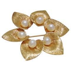 14 Karat Yellow Gold Pearl Wreath Brooch