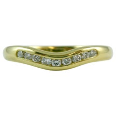Vintage Diamond Ring in 18 Carat Yellow Gold, Curved for Engagement Ring