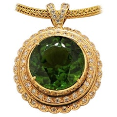 18 Karat Yellow Gold, Peridot 25.35 Carat and Diamond 2.20 Carat Pendant