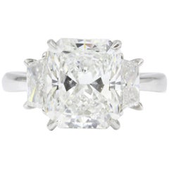 Platinum 4.01 Carat Radiant Cut Diamond Engagement Ring
