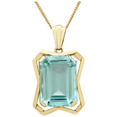 Antique Art Deco 20.85 Carat Aquamarine Yellow Gold Pendant