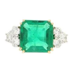 4.97 Karat Colombian Emerald 18 Karat White Gold Diamonds Cocktail Ring