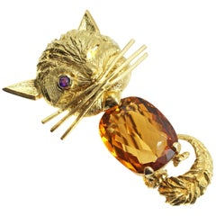 Citrine and Ruby 18 Karat Gold Whimsical Cat Brooch