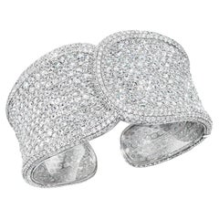18 Karat White Gold, 19.42 Carat Rose Cut Diamond Cuff