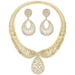 37 Carat Diamond Necklace and Earrings 185 Grams 18 Karat Gold Bridal Suite